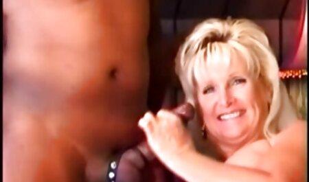 כיף בוקר בתאילנד של סרטוני סקס לצפיה חינם זוג צעיר ופיה ילדה שלוקחת אצבע בנרתיק