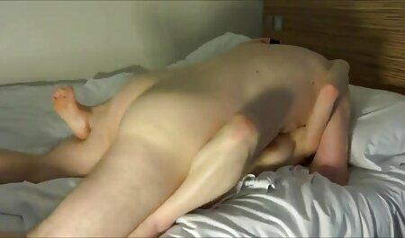 בשעת הדמדומים, כפיפות צפייה בסרטי סקס חינם במחסן, אישה מוצצת זין עבור איכר עגלגל